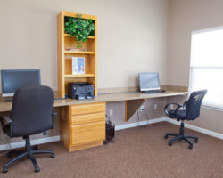 Gateway Crossing - business center (amenities)
